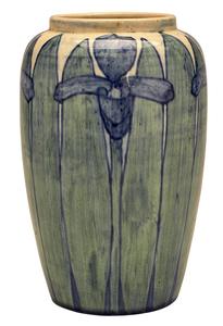 Newcomb College vase