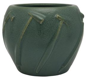 Van Briggle vase, 1902