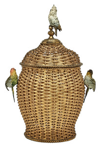 Viennese covered vessel