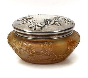 Daum powder jar
